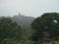 Vista do Cruzeiro e daCapela de Mãe Rainha
